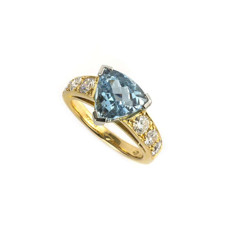 22k Yellow Gold Trilliant Aquamarine & Diamond Dress Ring